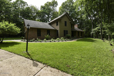 Niles Single Family Home For Sale: 3120 Dogwood Trail Trail