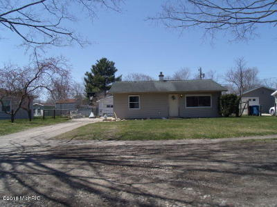 Niles Single Family Home For Sale: 2416 Eastfield Drive