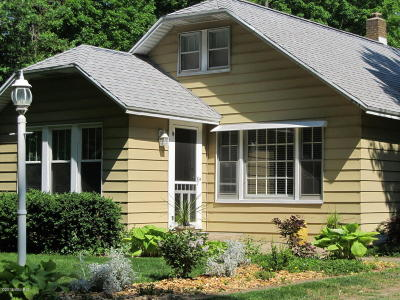 Coloma Single Family Home For Sale: 2475 Maple Avenue