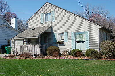 Edwardsburg Single Family Home For Sale: 68460 N Channel Parkway