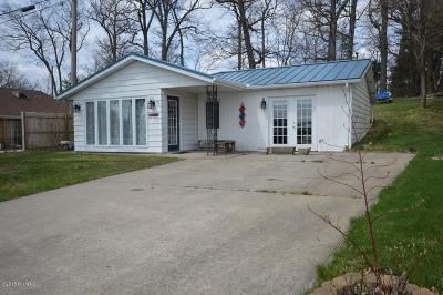 Berrien County, Cass County, Van Buren County Single Family Home For Sale: 13622 Wayne St.