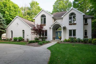 South Haven Single Family Home For Sale: 5444 Beechwood Lane