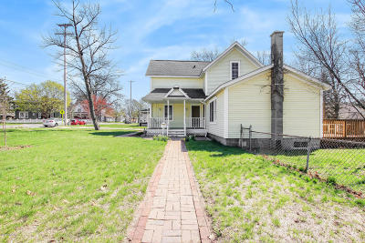 Spring Lake Single Family Home For Sale: 324 E Exchange Street
