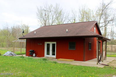 Jonesville MI Single Family Home For Sale: $84,900