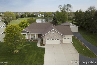 Hudsonville Single Family Home For Sale: 1555 Ponstein Drive