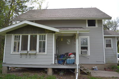 Grand Ledge Single Family Home For Sale: 815 W Main Street