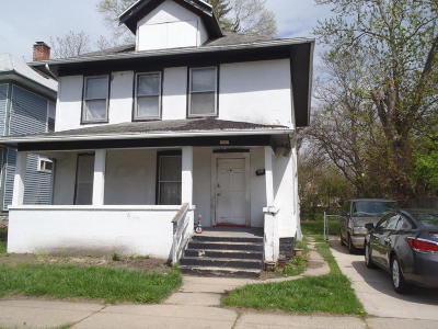 Grand Rapids Single Family Home For Sale: 1064 Prospect Avenue SE
