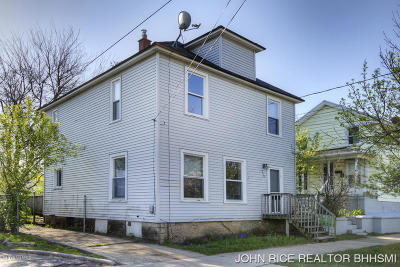 Grand Rapids Single Family Home For Sale: 350 Pine Avenue NW