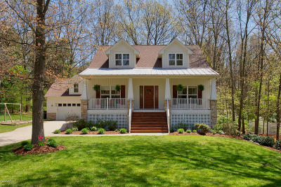 Saugatuck, Douglas Single Family Home For Sale: 6287 Hawthorne Court
