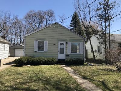 Ingham County Single Family Home For Sale: 1906 Massachusetts Avenue