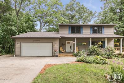 Spring Lake Single Family Home For Sale: 15780 Ridge Lane