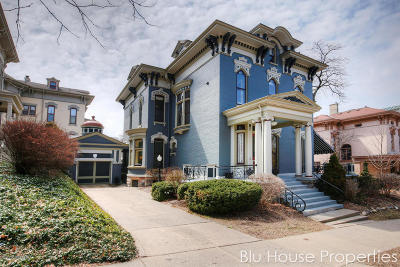 Grand Rapids Single Family Home For Sale: 230 A Fountain Street NE