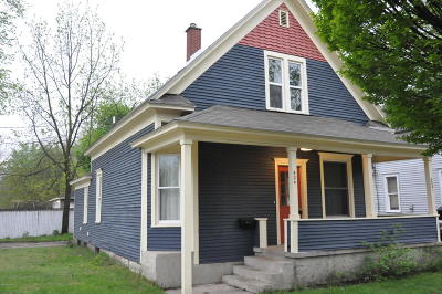 Holland Single Family Home For Sale: 424 College Avenue