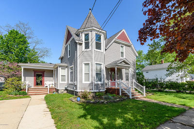Paw Paw Single Family Home For Sale: 219 N Gremps Street