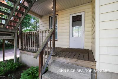 Grand Rapids Multi Family Home For Sale: 2064 Kalamazoo Avenue SE