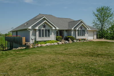 Charlotte Single Family Home For Sale: 1708 N Hartel Road