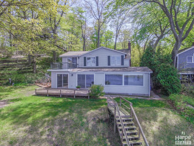 Single Family Home For Sale: 5952 S Shore Drive