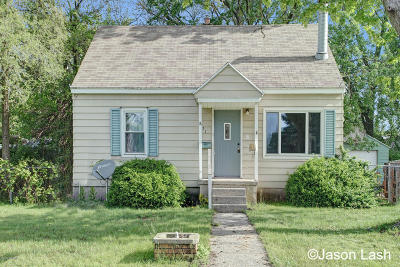 Grand Rapids Single Family Home For Sale: 853 Beech Street SW
