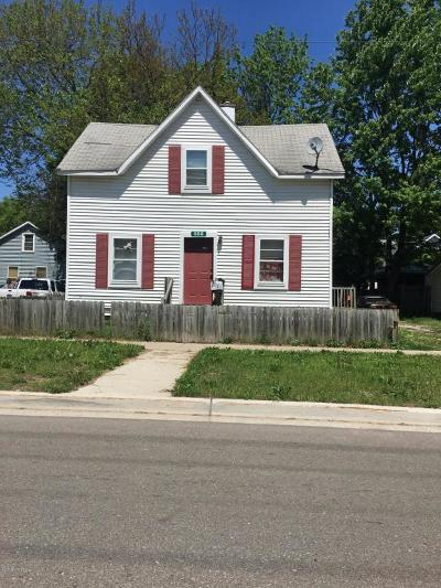Grand Rapids MI Single Family Home For Sale: $109,900