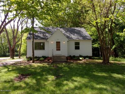 Allegan County Single Family Home For Sale: 112 E 40th Street