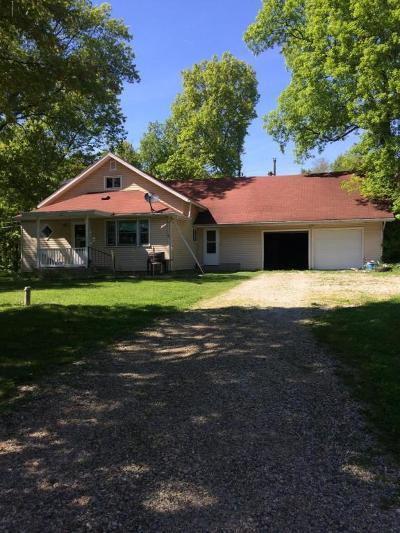 Cassopolis Single Family Home For Sale: 23410 Kelsey Lake Street