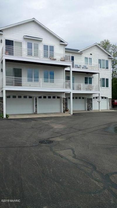 Montague Condo/Townhouse For Sale: 8664 Ellenwood Drive #14
