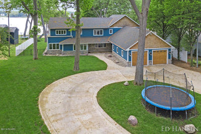 Muskegon County Single Family Home For Sale: 812 Oakmere Place