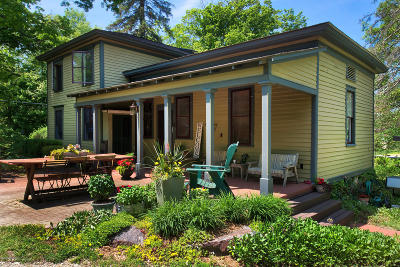 Saugatuck Single Family Home For Sale: 6594 Allegan Street