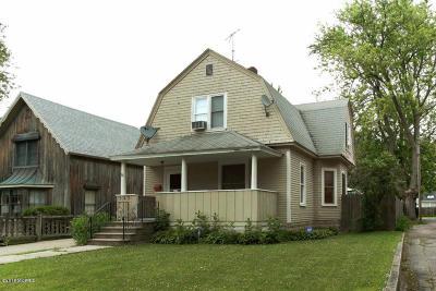 Van Buren County Single Family Home For Sale: 563 Center St.