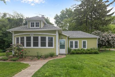 New Buffalo Single Family Home For Sale: 105 S Whittaker Street
