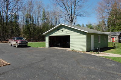 Gladwin County Single Family Home For Sale: 3694 Pineland Road