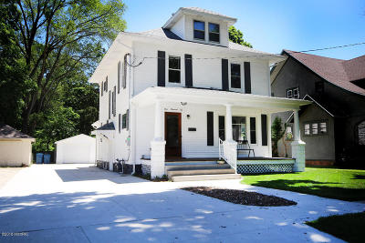 Buchanan Single Family Home For Sale: 106 Lake Street
