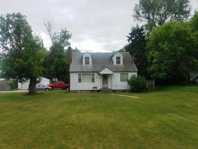 Wyoming Single Family Home For Sale: 2950 Burlingame Avenue SW