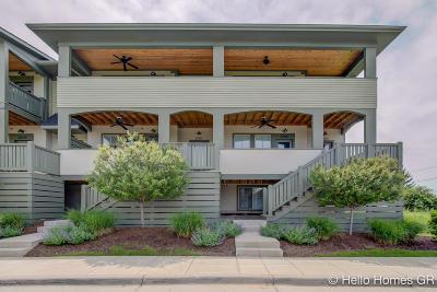 Condo/Townhouse For Sale: 2081 Celadon Drive NE