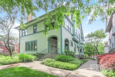 Grand Rapids Condo/Townhouse For Sale: 448 Fulton Street E #6