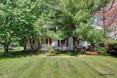 Wyoming Single Family Home For Sale: 5216 Ivanrest Avenue SW