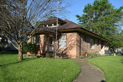 Three Oaks Single Family Home For Sale: 502 S Elm Street