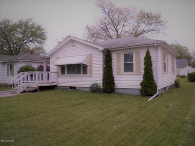 St. Joseph Single Family Home For Sale: 2619 Pixley Avenue