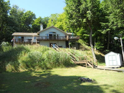 Benzie County, Charlevoix County, Clare County, Emmet County, Grand Traverse County, Kalkaska County, Lake County, Leelanau County, Manistee County, Mason County, Missaukee County, Osceola County, Roscommon County, Wexford County Single Family Home For Sale: 6818 W Vesper Drive