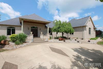 Single Family Home For Sale: 3264 Lone Oak Drive