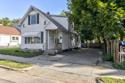 Grand Rapids Single Family Home For Sale: 811 8th Street NW