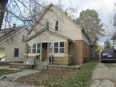 Grand Rapids MI Single Family Home For Sale: $110,000