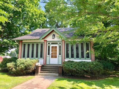 St. Joseph County Single Family Home For Sale: 909 E Chicago Road