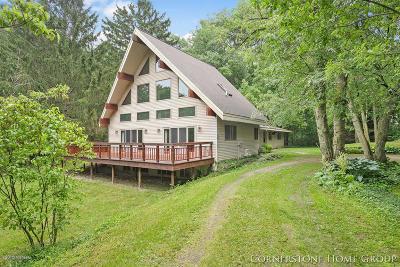 Rockford Single Family Home For Sale: 8210 Bush Dr NE