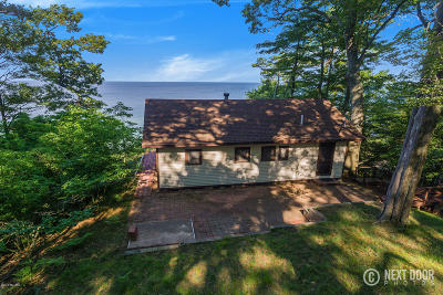 Norton Shores Single Family Home For Sale: 3383 Winnetaska Road