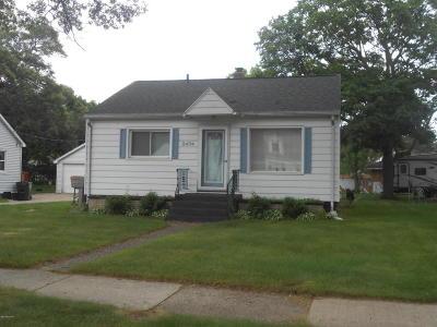 Muskegon Single Family Home For Sale: 2434 McCracken Street