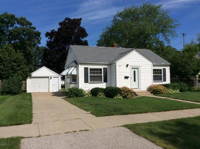 North Muskegon Single Family Home For Sale: 2210 Oak Avenue