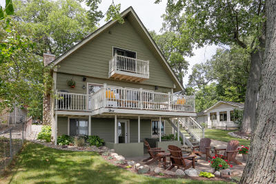 Portage Single Family Home For Sale: 9703 Woodlawn Drive