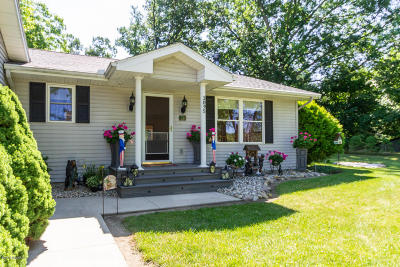 Reading Single Family Home For Sale: 3095 N Cove Road