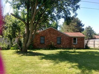 Hastings Single Family Home For Sale: 1200 Iroquois Trail